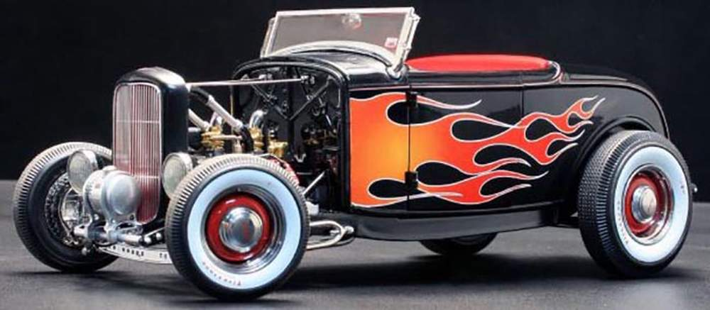 1:19 1929 Ford Hot Rod (Black w/Flames)