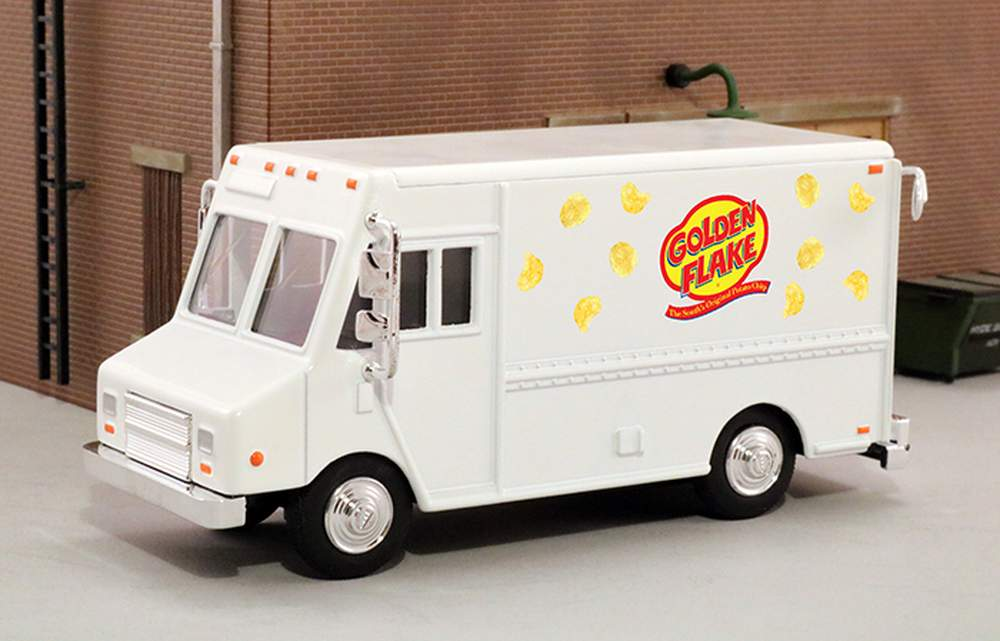 "1:48 Delivery Step Van ""Golden Flake Potato Chips"""