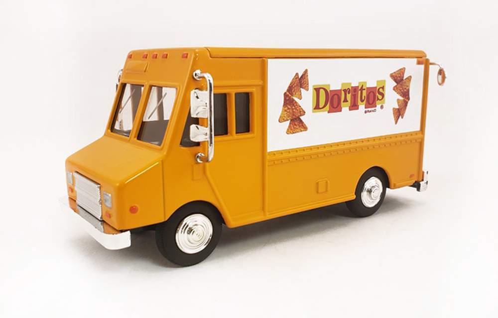 """1:48 Delivery Step Van """"Doritos"""" (1970s Logo)"""