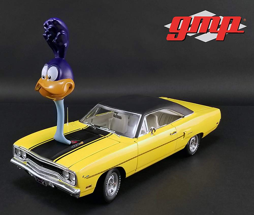 "1:18 1970 Plymouth Road Runner w/""The Loved Bird"" Road Runner Air Grabber Figure"