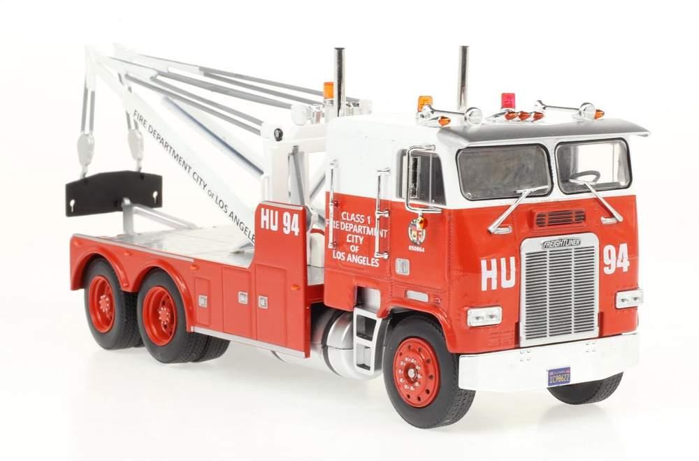 "1:43 Freightliner Wrecker ""Los Angeles Fire Dept."" (Red/White)"