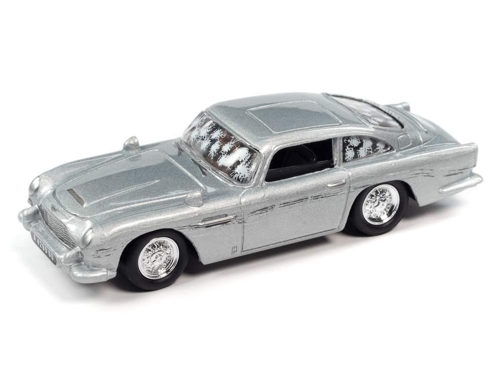 """1:64 James Bond 1964 Aston Martin DB5 """"No Time To Die"""" (Damaged) (Silver Birch)"""