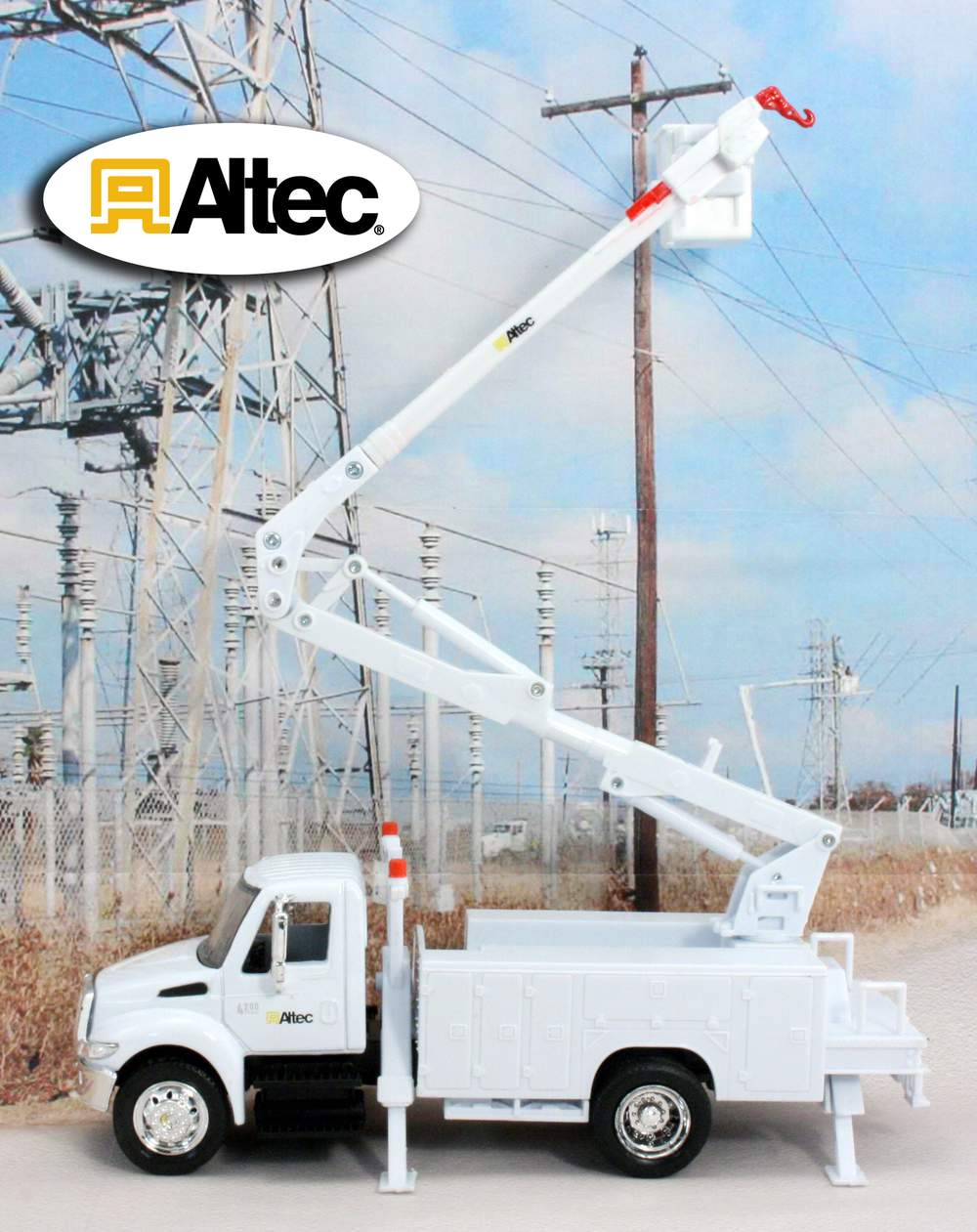 "1:43 International Bucket Truck Aerial Device ""Altec"""