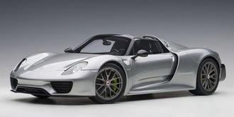 Porsche 918 Spyder Weissach Package (GT Silver Metallic)