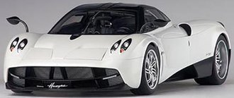 Pagani Huayra (White/Black Wheels)