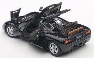 McLaren F1 (with Openings) (Jet Black Metallic/Metallic Black)