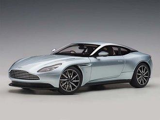 Aston Martin DB11 (Skyfall Silver)