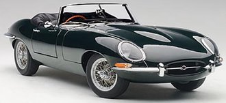 Jaguar E-Type Roadster Series 13.8 w/Metal Wire-Spoke Wheels (Green)