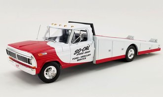 """1:18 1970 Ford F-350 Ramp Truck """"So-Cal Speed Shop"""" (Red/White)"""