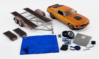 "1:18 1970 Ford Mustang Boss 429 w/Car Trailer ""Barn Find Boss"""