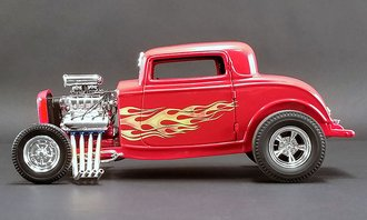 "1:18 1932 Ford Blown Hot Rod ""Flamethrower"" (Red w/Flames)"