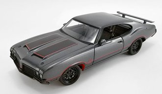 "1:18 1970 Oldsmobile 442 ""Street Fighter"""
