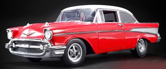 1:18 1957 Chevy Bel Air Street - Strip (Red/White)