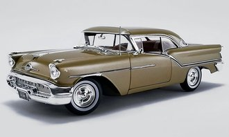 1:18 1957 Oldsmobile Super 88 (Gold Mist)