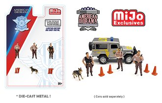 American Diorama 1:64 Figures - Police Figures w/K-9 Dog