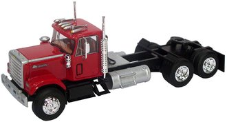 1:64 1980 Chevrolet Bison Day Cab Tandem Axle Road Tractor (Red)