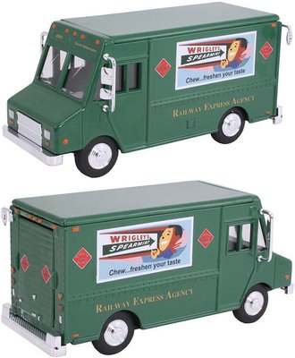 "1:48 Delivery Step Van ""Railway Express Agency"" (Green)"