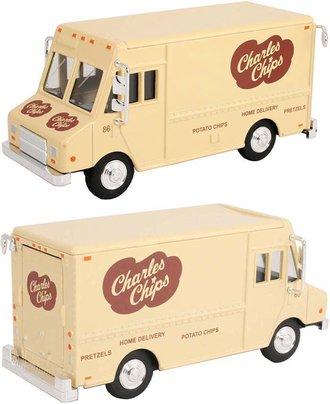 """1:48 Delivery Step Van """"Charles Chips"""" (Beige)"""