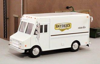 """1:48 Delivery Step Van """"Snyder's Pretzels"""""""