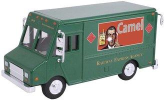 "1:48 Delivery Step Van ""Railway Express - Camel"""
