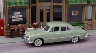 1:43 1950 Ford 4-Door Sedan (Sea Mist Green)