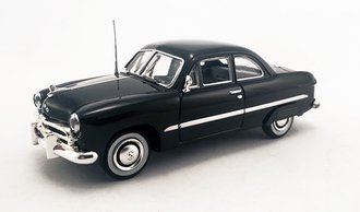 1:43 1949 Ford 2-Door Coupe (Black) w/Fender Skirts