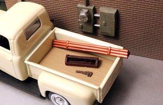 1:48 Pipe Bundle (1), Plumber's Tool Box (1) & Pipe Wrench (1)