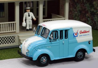 "1:87 Divco Delivery ""Galliker's Dairy Products"" w/Milkman & Carrier"