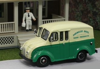 "1:87 Divco Delivery ""Parmelee Bros. Dairy, CT"" w/Milkman & Carrier"