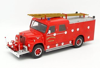 1:43 International LoadStar Wasterlain 1627 Fire Truck