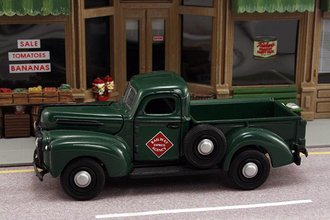 "1:43 1942 Ford F1 Pickup ""Railway Express Agency"""