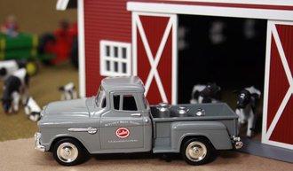 """1955 Chevy Pickup """"Sealtest Dairy"""" w/Milk Urns"""