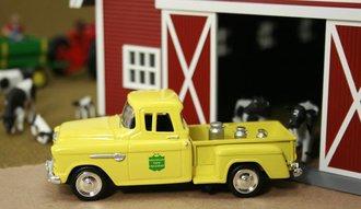 "1955 Chevy Pickup ""Mountain View Creamery"" w/Milk Urns"