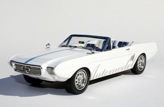 1:24 1963 Ford Mustang II Concept (White)