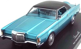 1970 Lincoln Continental Mark III - Fixed Roof (Bright Aqua Metallic)