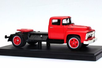 1:43 1956 Ford F-600 (Red)