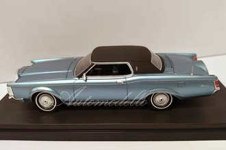 1:43 1970-71 Lincoln Continental Mark III (Blue)