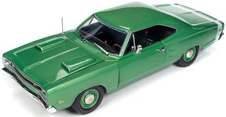 "1:18 1969 Dodge Super Bee Hardtop ""Hemmings Motor News"" (Green)"