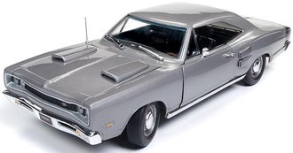 "1:18 1969 Dodge Coronet R/T Hardtop ""MCACN"" (Silver)"