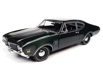 """1:18 1969 Oldsmobile Cutlass W-31 Post Coupe """"MCACN"""" (Glade Green)"""
