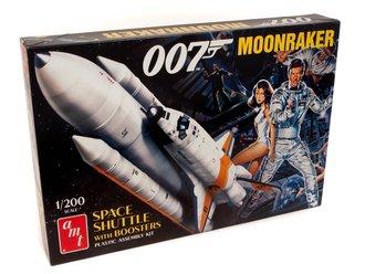 """Moonraker Shuttle w/Boosters """"James Bond"""" (Model Kit)"""