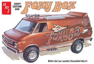 "1:25 1975 Chevy Van ""Foxy Box"" (Model Kit)"