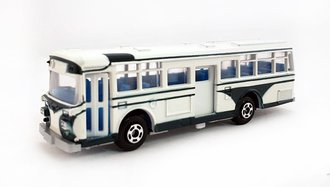 1:100 Hino RE120 Double Door Bus (White)