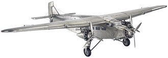 Ford Trimotor (Base Included)