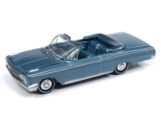 1:64 1962 Chevy Impala SS Convertible (Silver Blue Poly)