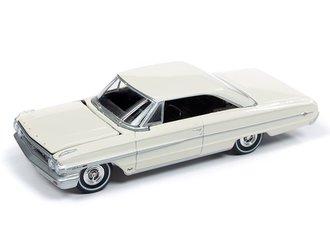 1:64 1964 Ford Galaxie 500 XL (Wimbledon White)