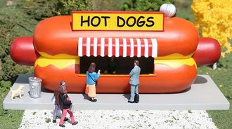 O Scale Hot Dog Stand