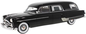 1:18 1952 Packard Henney Hearse (Black)