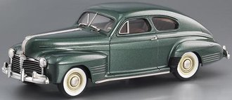 1941 Pontiac Streamliner Torpedo Sedan Coupe (Thetis Green Poly)