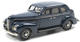 1939 Nash Ambassador Eight 4-Door Sedan (Dark Blue)